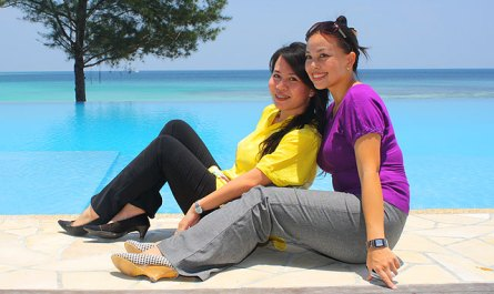 swimming pool of Bunga Raya Resort