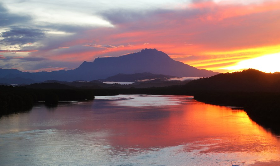 Best Sunrise View of Sabah at Mengkabong River Bridge