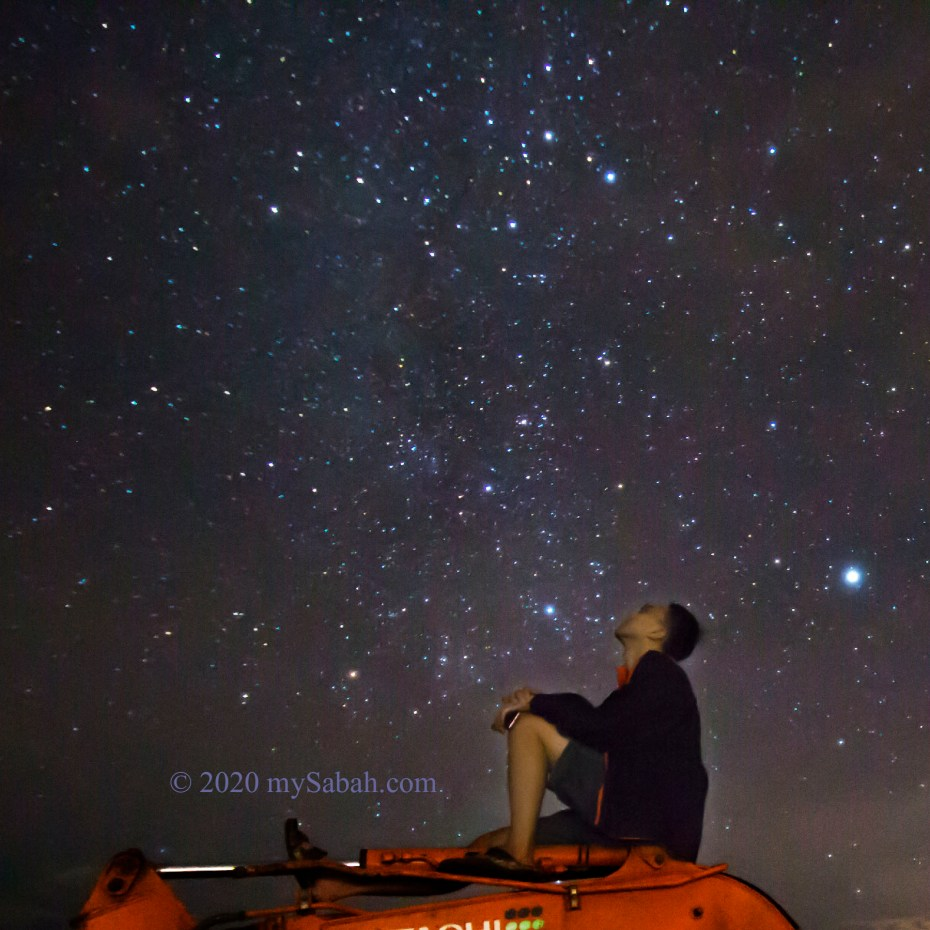 Looking at the starry sky in Sugud