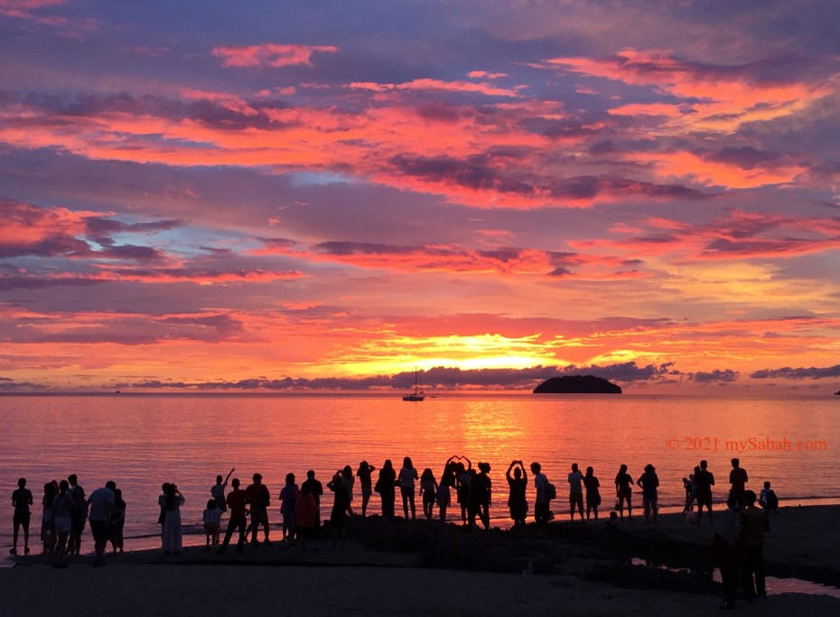 The famous fire cloud of Tanjung Aru sunset