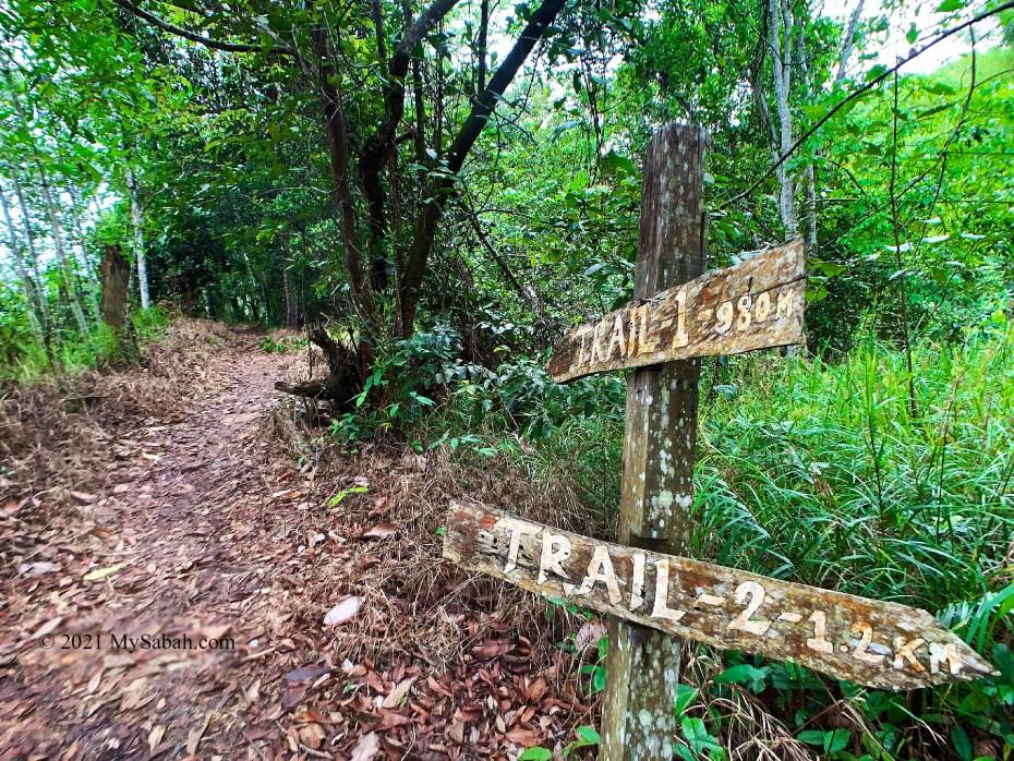 Trail mark of Nuluh Lapai