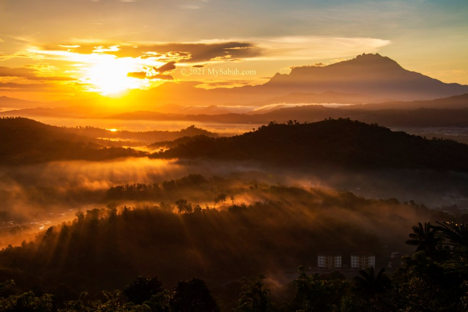 The sunrise view of Mount Kinabalu from Nuluh Lapai