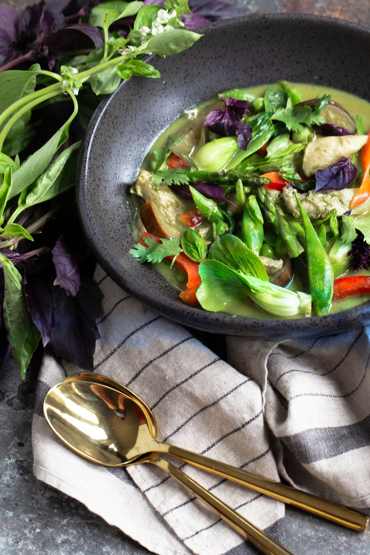 Thai green curry - so easy and delicious! Better than take out