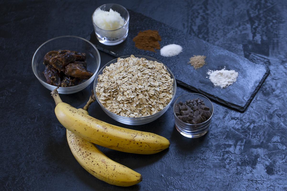 ingredients for banana chocolate chip breakfast cookies