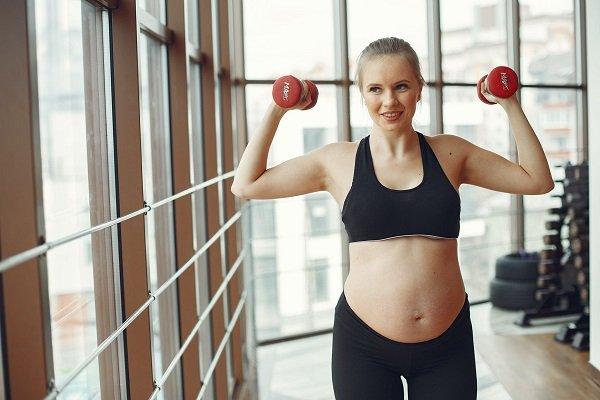 Fitness ok per le donne in gravidanza