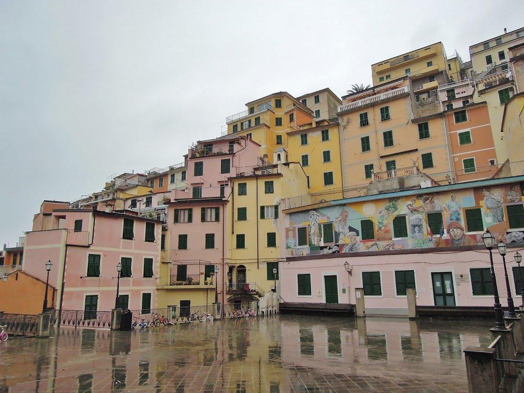 La Piazza Vignaioli di Riomaggiore