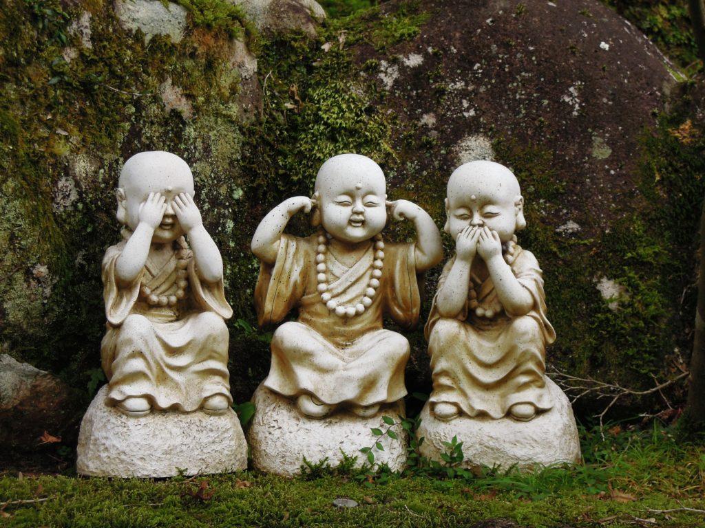 Statue buddha non vedo, non sento, non parlo