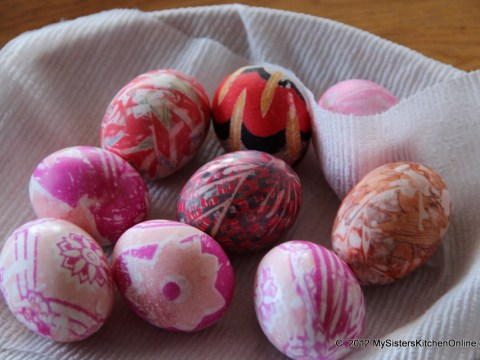 more silk-dyed Easter Eggs