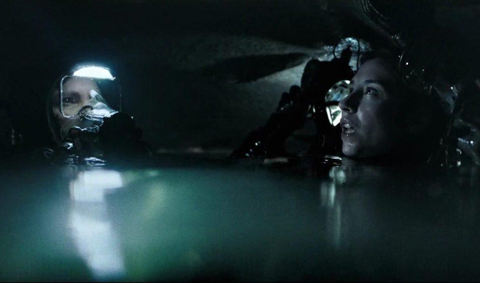 Pod powierzchnią