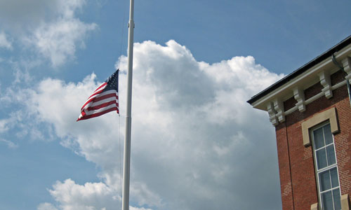 https://i1.wp.com/www.mysouthborough.com/wp-content/uploads/2009/08/flag-half-staff.jpg