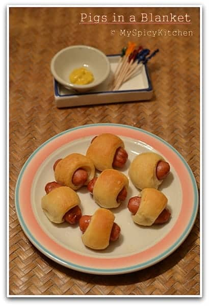 Mini Hot Dog Rolls,