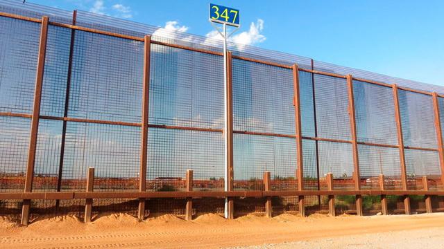border fence_1543233505723.jpg_63216688_ver1.0_640_360_1543257271893.jpg.jpg