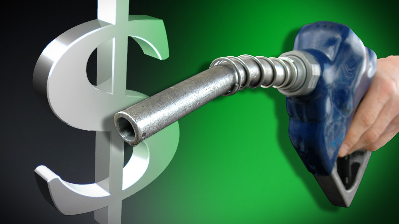 New Illinois 'mileage tax' bill would make drivers pay gas
