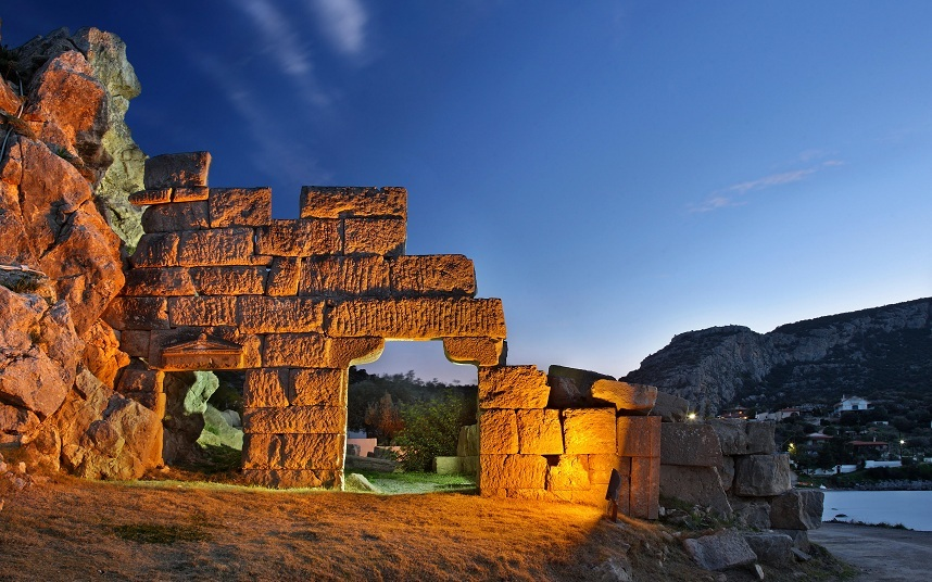 """The gate of the ancient castle at Alykes, Viotia (""""Boeotia""""), Corinthian gulf, Central, Greece"""