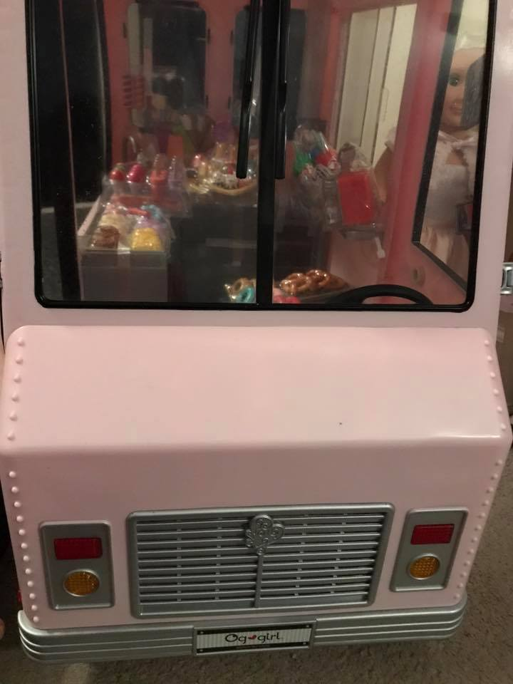 Alexa & Kaylee's Ice Cream Truck from Our Generation