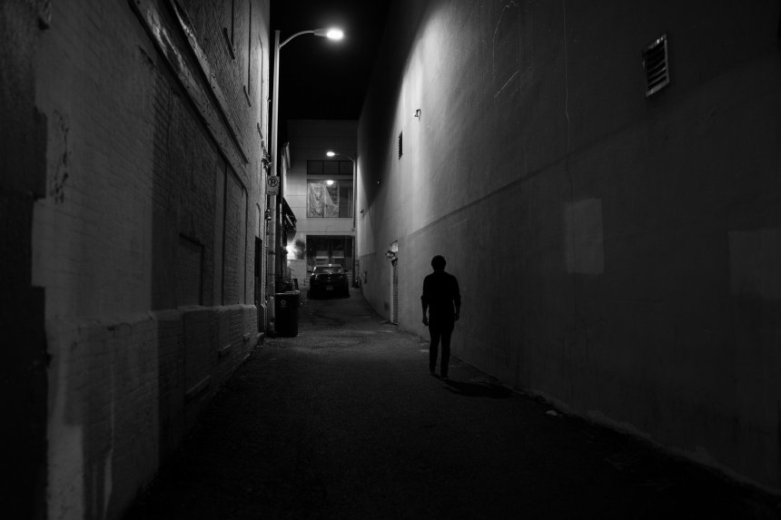Noir photography Mike Maguire - Night Alley