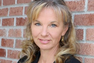 lisa black author defensive wounds trail of blood forensic thriller crime fiction