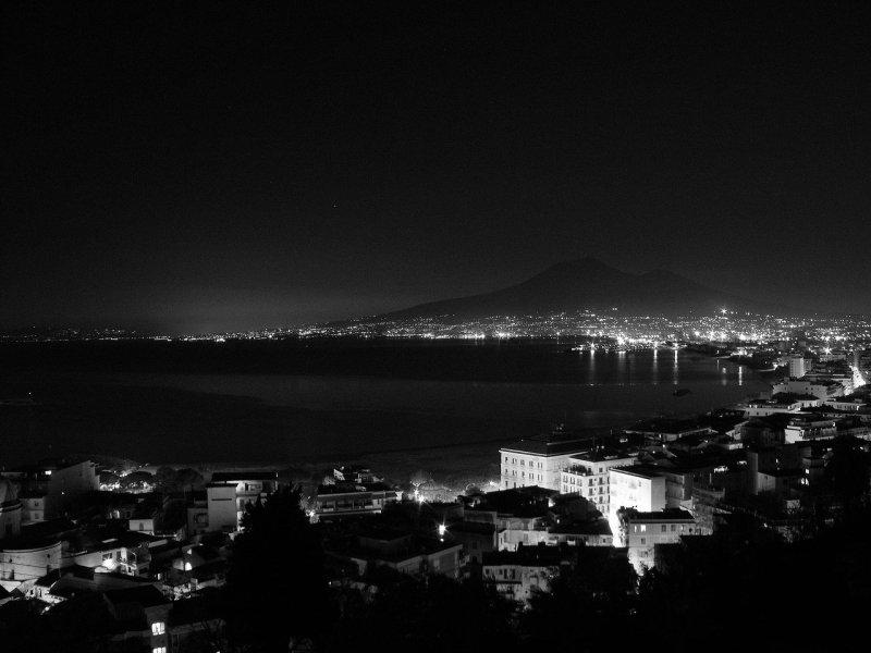 Here Comes Italian Noir Glass Souls By Maurizio De Giovanni