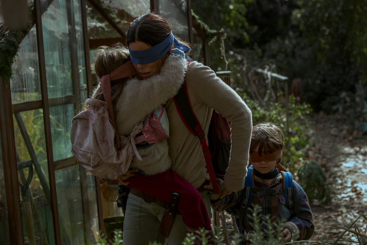 Bird Box Ultimate Guide To The Book And Netflix Movie - Scene from the movie