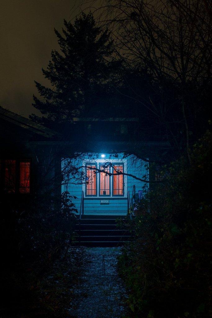 Masterful And Suspenseful Night Photography Of Darren Ellis 7