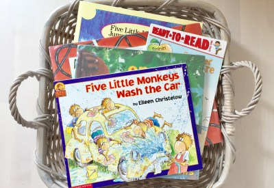 Summer Book list for Preschoolers | August a Read a Day Reading Challenge List Ideas