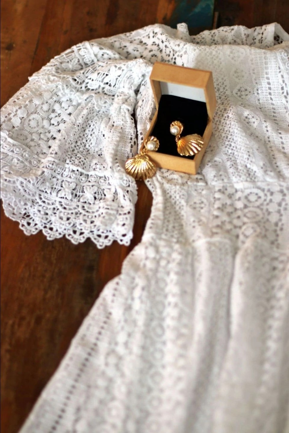 white-lace-dress-summer-trends.jpg