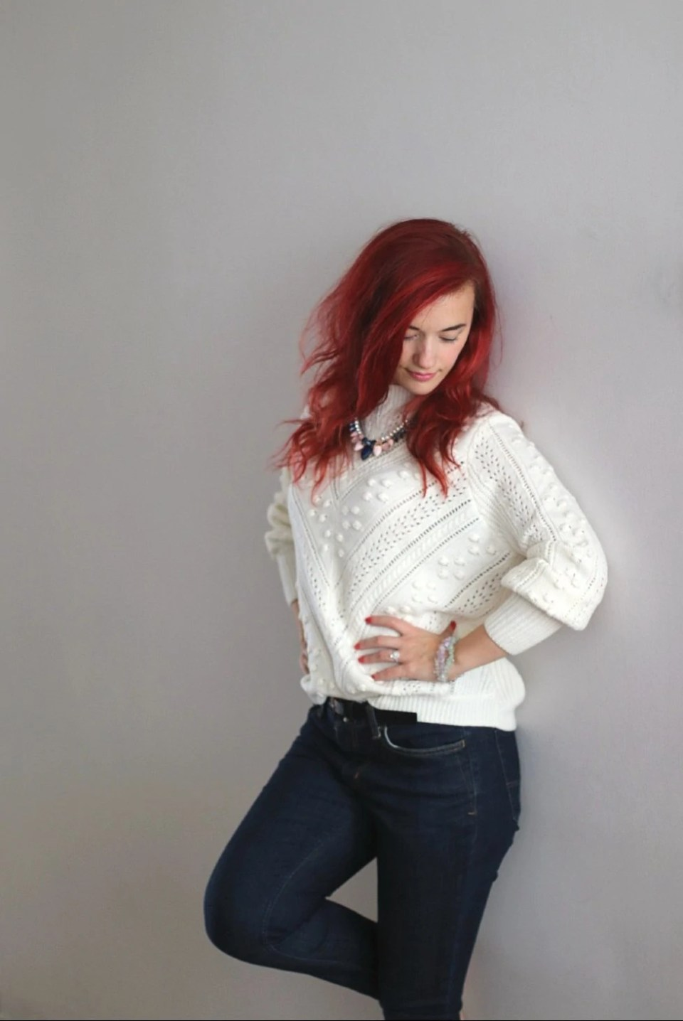 classic-autumn-outfit-jeans-and-sweater.jpg