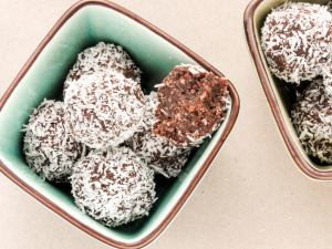 keto chocolate coconut balls
