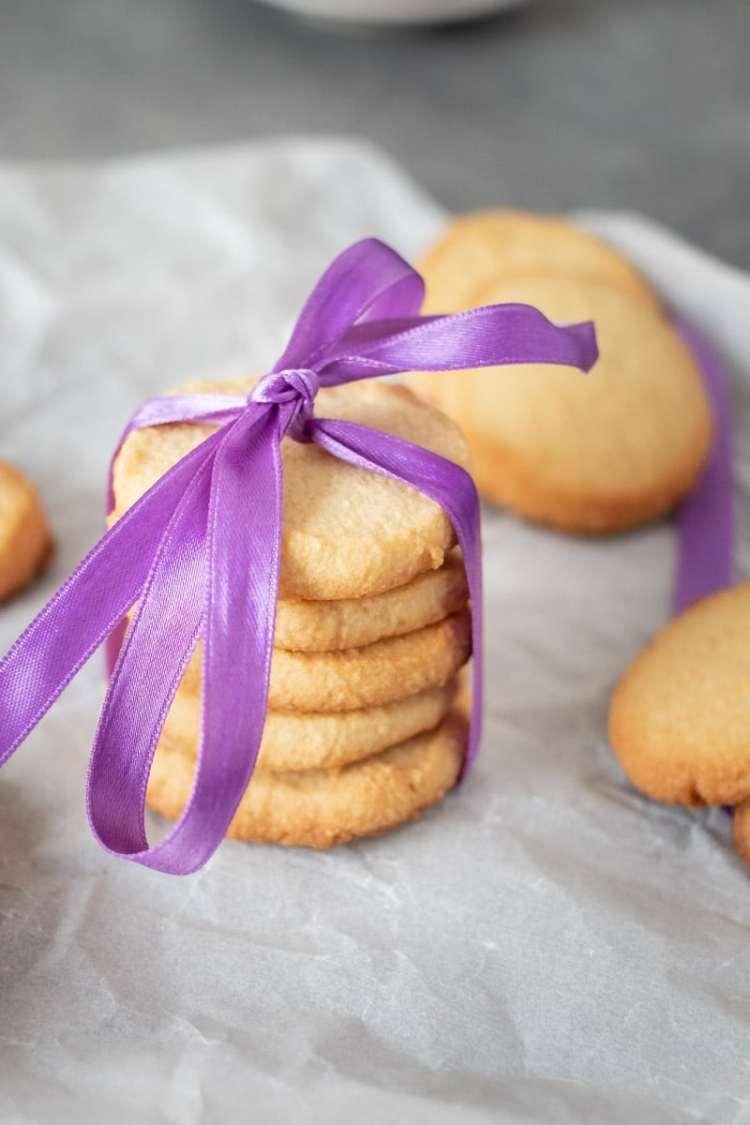 Simple Keto Shortbread Cookies recipe by My Sweet Keto #sugarfree #keto