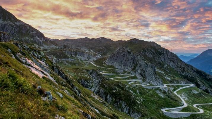 St. Gotthard Pass – Nostalgia on the Tremola | Switzerland Tourism
