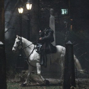 SLEEPY HOLLOW: The headless horseman is resurrected alongside Ichabod Crane in the premiere episode of SLEEPY HOLLOW premiering Monday, Sept. 16 (9:00-10:00 PM ET/PT) on FOX. ©2013 Fox Broadcasting Co. CR: Kent Smith/FOX