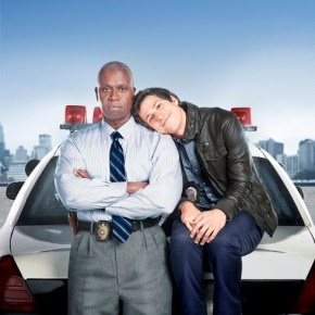 BROOKLYN NINE-NINE: Emmy Award winners Andre Braugher (L) and Andy Samberg (R) star in BROOKLYN NINE-NINE, a new single-camera workplace comedy about what happens when a hotshot detective (Samberg) gets a new Captain (Braugher) with a lot to prove. BROOKLYN NINE-NINE premieres Tuesday, Sept. 17 (8:30-9:00 PM ET/PT) on FOX. ©2013 Fox Broadcasting Co. Cr: Matt Hoyle/FOX.