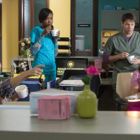 """THE MINDY PROJECT: The office welcomes back Mindy pictured L-R: (Beth Grant, Xosha Roquemore, Ike Barinholtz and Zoe Jarman) in the """"The Other Dr. L """" episode of THE MINDY PROJECT airing Tuesday, Sept. 24 (9:30-10:00 PM ET/PT) on FOX. ©2013 Fox Broadcasting Co. Cr: Beth Dubber/FOX"""