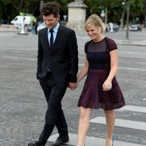 "PARKS AND RECREATION -- ""London"" Episode 601/602 -- Pictured: (l-r) Adam Scott as Ben Wyatt, Amy Poehler as Leslie Knope -- (Photo by: Pascal Le Segretain/NBC)"