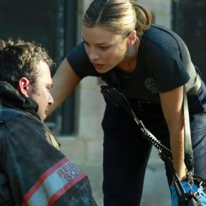 "CHICAGO FIRE -- ""A Problem House"" Episode 201 -- Pictured: (l-r) Taylor Kinney as Kelly Severide, Lauren German as Leslie Shay -- (Photo by: Elizabeth Morris/NBC)"
