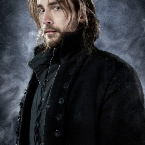 SLEEPY HOLLOW - From co-creators/executive producers Alex Kurtzman and Roberto Orci  comes the adventure thriller SLEEPY HOLLOW. In this modern-day retelling of Washington Irving's classic, ICHABOD CRANE (Tom Mison, pictured) is resurrected and pulled two and a half centuries through time to find that the world is on the brink of destruction and that he is humanity's last hope, forcing him to team up with a contemporary police officer (Nicole Beharie) to unravel a mystery that dates back to the founding fathers. The adventure thriller SLEEPY HOLLOW premieres this fall on FOX. ©2013 Fox Broadcasting Co. CR: Michael Lavine/FOX