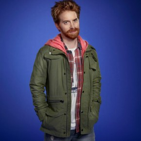 DADS: Seth Green as Eli in the new live-action, multi-camera comedy DADS premiering this fall on FOX. ©2013 Fox Broadcasting Co. Cr: Joseph Llanes/FOX