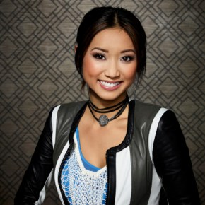 DADS: Brenda Song as Veronica. The new FOX comedy DADS premieres Tuesday, Sept. 17 (8:00-8:30 PM ET/PT) on FOX. ©2013 Fox Broadcasting Co. Cr: Joseph Llanes/FOX