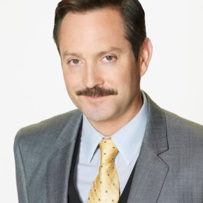 SEAN SAVES THE WORLD -- Season: Pilot -- Pictured: Thomas Lennon as Max -- (Photo by: Chris Haston/NBC)