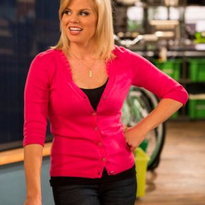 SEAN SAVES THE WORLD -- Episode 101 -- Pictured: Megan Hilty as Liz -- (Photo by: Justin Lubin/NBC)