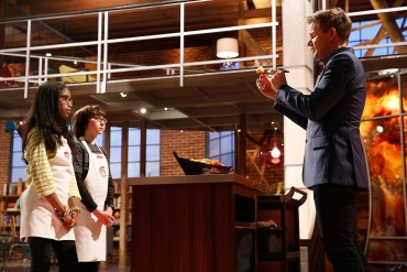 MASTERCHEF JUNIOR: L-R: Contestants Ayla and Jimmy show their food to Gordon Ramsay in the ÒRaw TalentÓ episode of MASTERCHEF JUNIOR airing Tuesday, Jan. 27 (8:00-9:00PM ET/PT) on FOX. CR: Greg Gayne / FOX. © 2014 FOX Broadcasting Co.