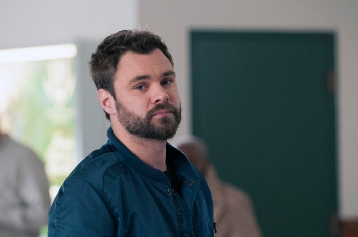 """CHICAGO P.D. -- """"Looking Out For Stateville"""" Episode 312 -- Pictured: Patrick John Flueger as Adam Ruzek -- (Photo by: Matt Dinerstein/NBC)"""