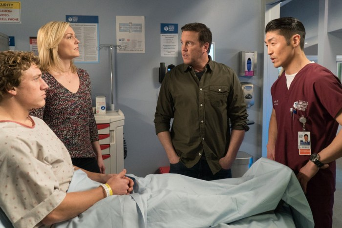 """CHICAGO MED -- """"Clarity"""" Episode 110 -- Pictured: (l-r) Lochlyn Munro as Jack Copper, Katherine Keberlein as Joan Cooper, Damian Conrad Davis as Bret """"Bear"""" Copper, Brian Tee as Dr. Ethan Choi -- (Photo by: Elizabeth Sisson/NBC)"""