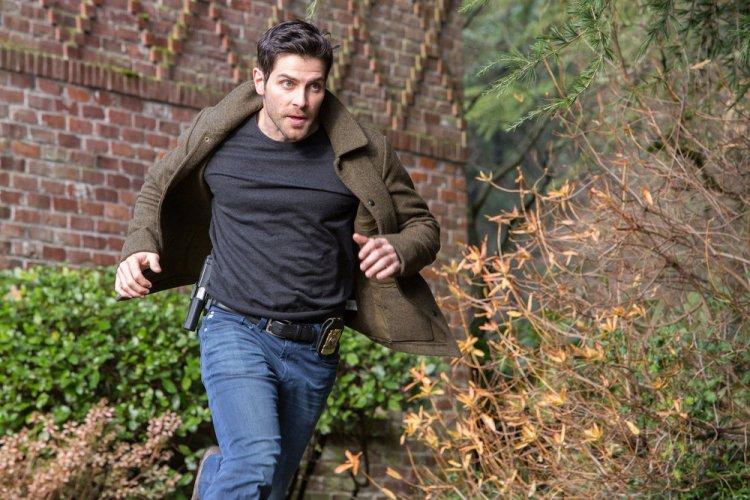 "GRIMM -- ""Lycanthropia"" Episode 514 -- Pictured: David Giuntoli as Nick Burkhardt -- (Photo by: Scott Green/NBC)"