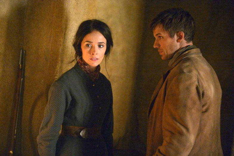 "TIMELESS -- ""The Alamo"" Episode 104 -- Pictured: (l-r) Abigail Spencer as Lucy Preston, Matt Lanter as Wyatt Logan -- (Photo by: Sergei Bachlakov/NBC)"