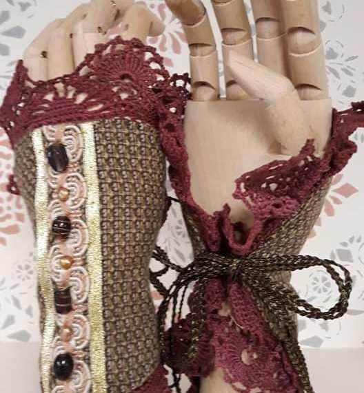 Handprydnader av Julia Elstring Högberg aka Mytomsydd.