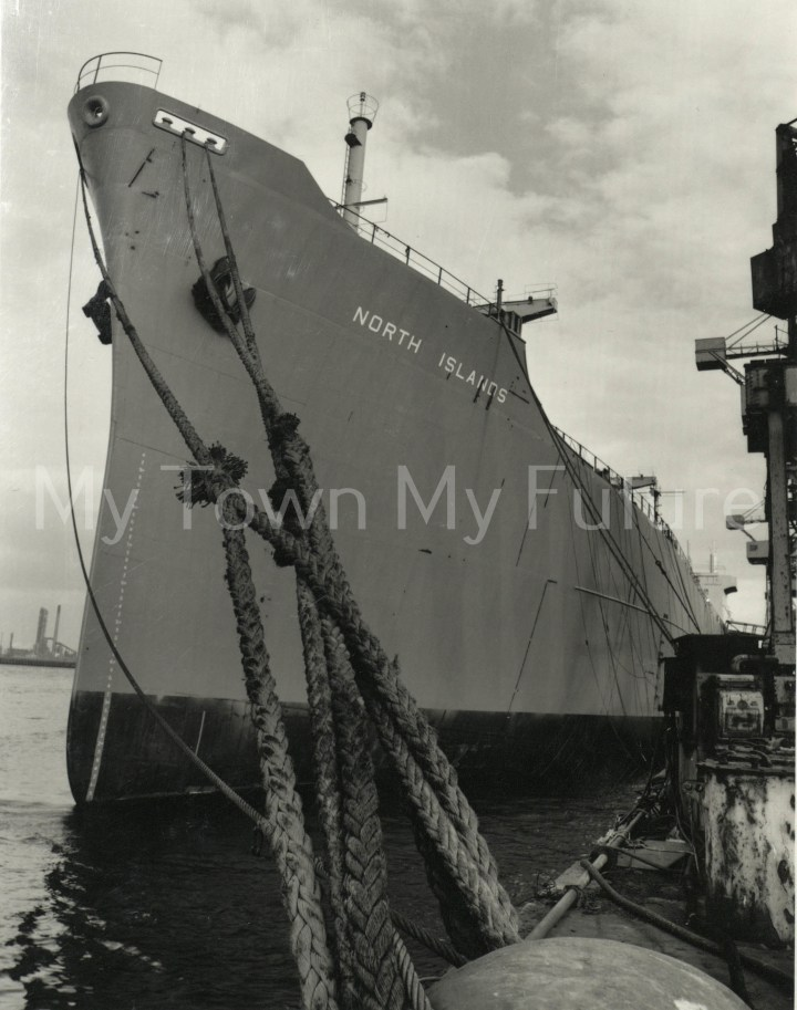 Smith's Dock Ships - North Islands - Last Ship Built - awaiting sea trials 1987 Paul Thompson