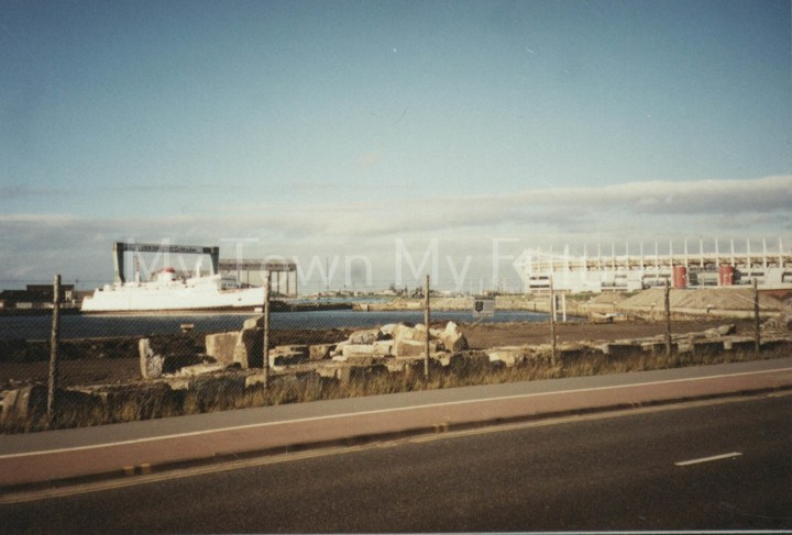 Tuxedo Royale - Middlesbrough Dock - Became a floating Nightclub, 18th July 2000 - Paul Stephenson