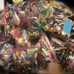 2+ pounds of GENUINE LEGOS bricks parts pieces FREE SHIPPING IN US
