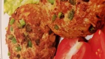 Paprika-Frikadellen mit Pellkartoffeln